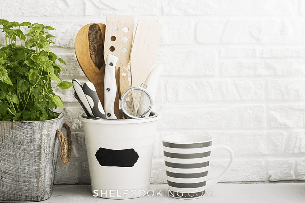 Kitchen tools in a holder, from Shelf Cooking