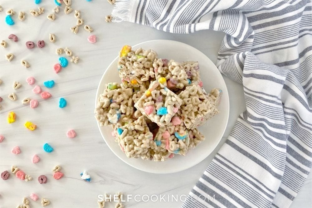 lucky charms rice krispies treats, from Shelf Cooking