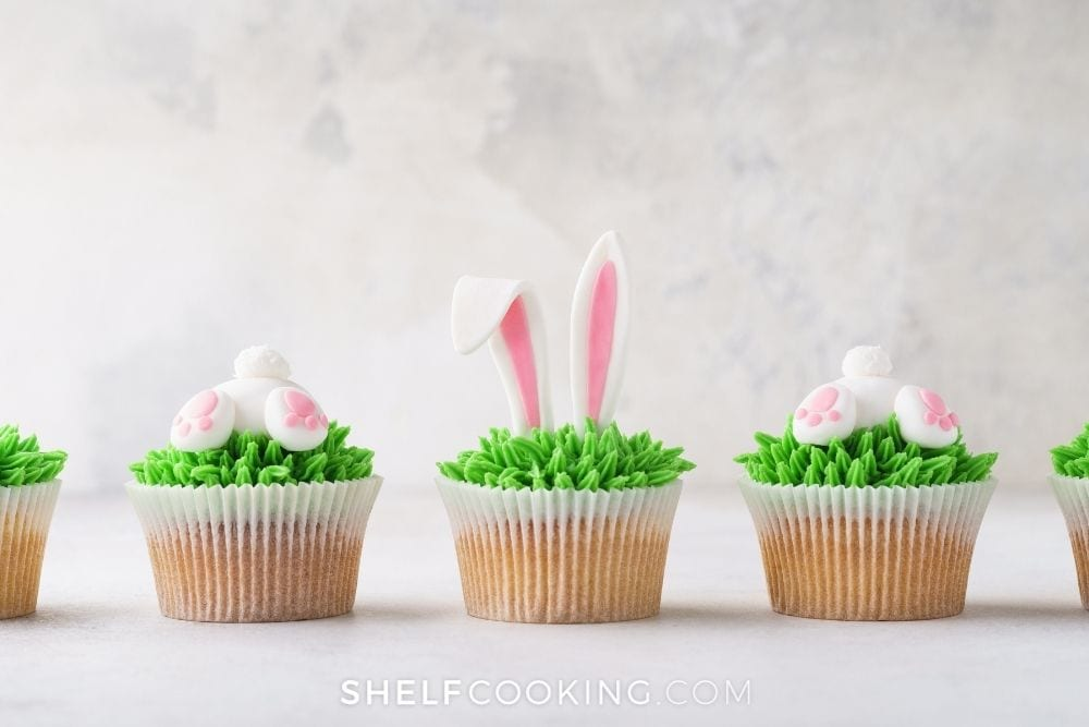 marshmallow fondant on bunny cupcakes, from Fun Cheap or Free